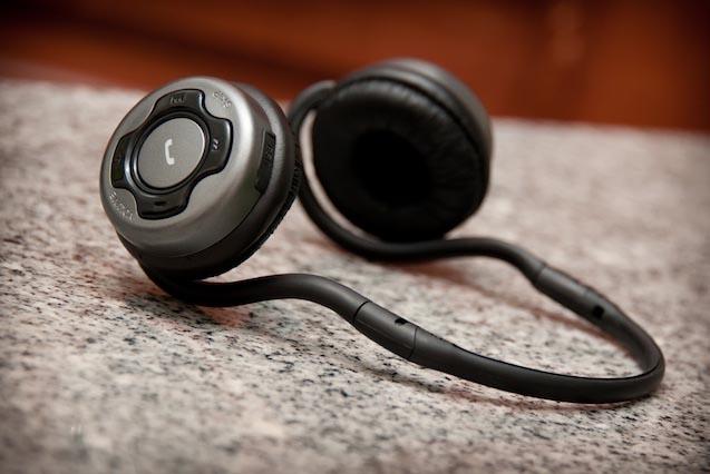 El Bluetooth se postula como el gran salvador de los auriculares en smartphone; algunos fabricantes están retirando el conector jack de 3,5mm