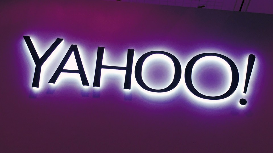 yahoo-fayerwayer-purple-sign-1920-960x623