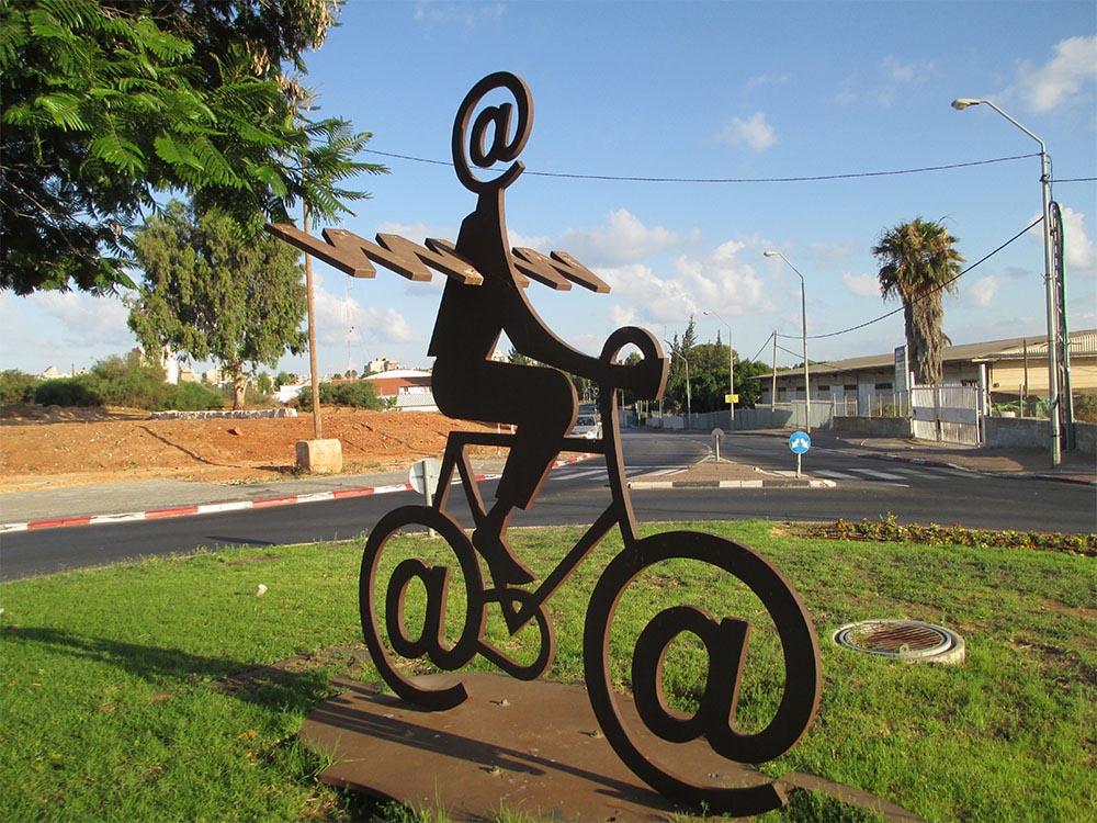 internet-arroba-bicicleta-generico
