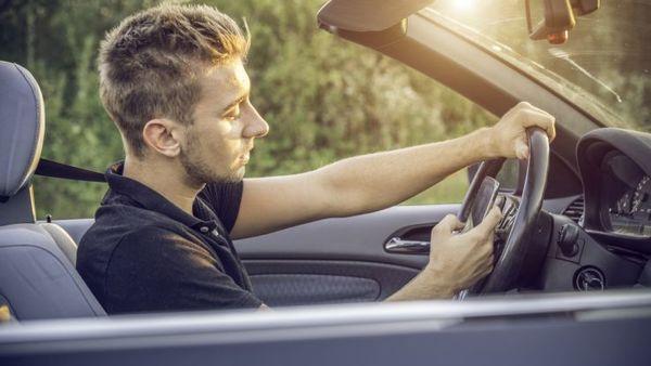 telefono mientras conducimos