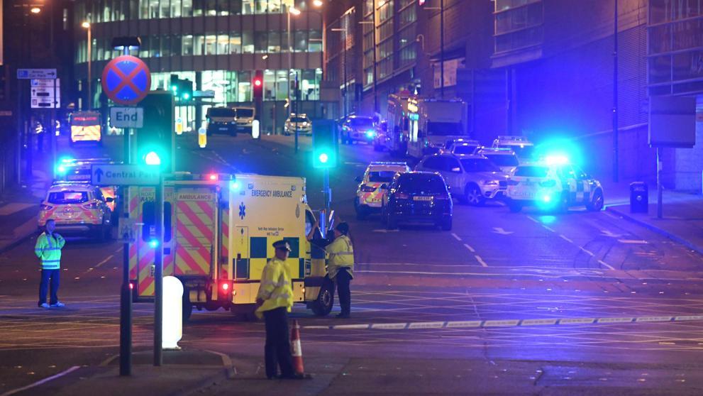 IPhone salva la vida de una mujer en atentado de Manchester — Facebook
