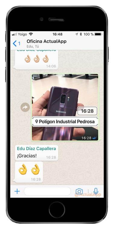 sticker de la hora y ubicación en WhatsApp