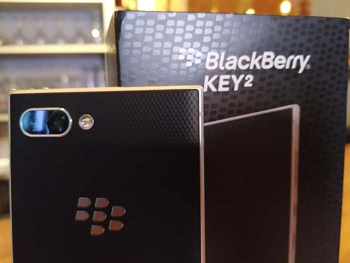 review de la blackberry key2