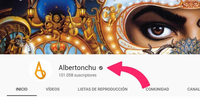insignia de verificación en youtube